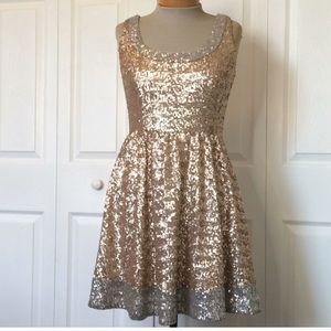 EUC Aidan Mattox Gold Sequined Dress 6